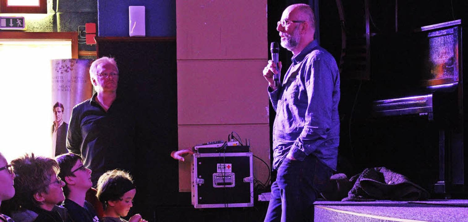 Regisseur Robert Schabus diskutierte  ...emiere seines Films mit dem Publikum.   | Foto: Erich krieger