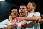 Fotos: Podolski verabschiedet sich mit Traumtor