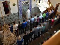 Angst vor Haft: Entlassene Imame klagen gegen Ditib