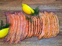 Kalt geräuchert, heiß begehrt: Lachs aus Hochdorf