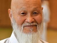 111 Karatekas trainieren  mit Weltmeister Hideo Ochi
