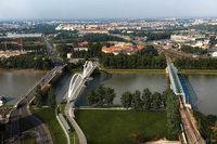 73-Jähriger nach Sprung von der Europabrücke tot aus dem Rhein geborgen