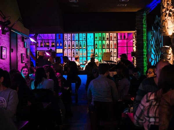 Grand Opening des Bermuda Freiburgs im ehemaligen O2-Shop in der Universitätsstraße