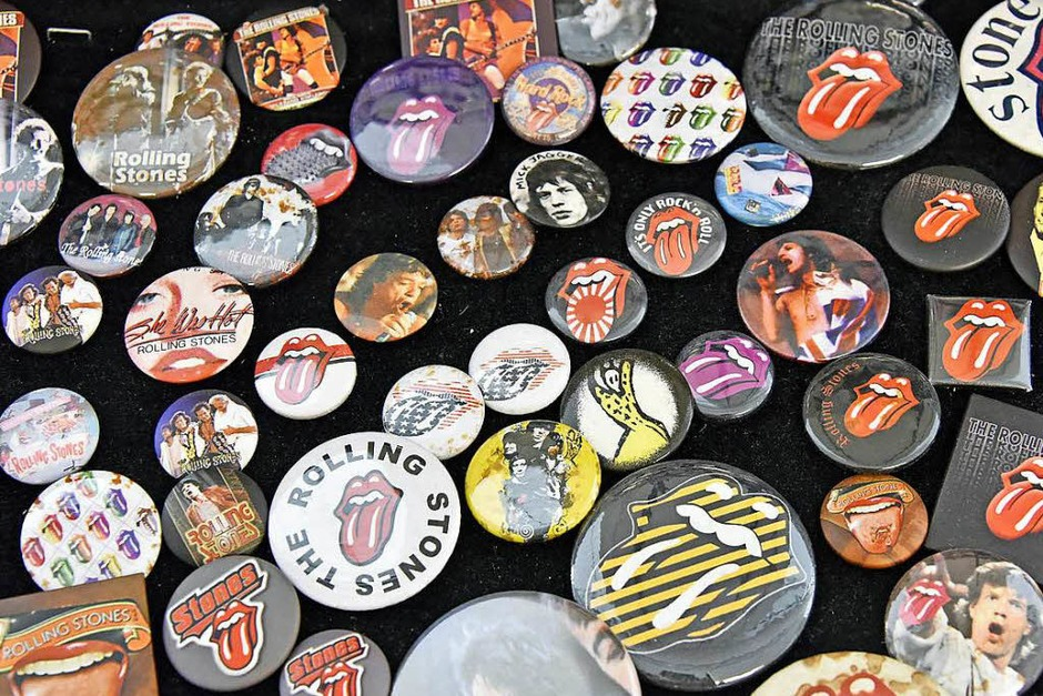 Ansteckend: Buttons mit Rolling-Stones-Motiven (Foto: Michael Bamberger)