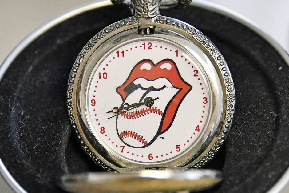 """Time Is On My Side"": Stones-Uhr, die Zunge im Baseball-Design (Foto: Michael Bamberger)"