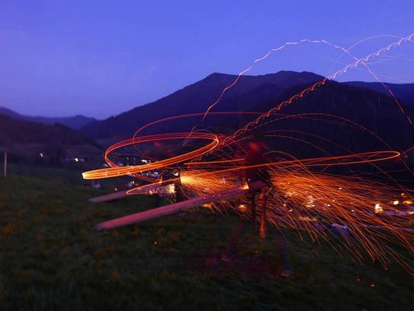 Auch im Simonswald fand dieses Wochenende wieder das traditionelle Scheibenschlagen statt.