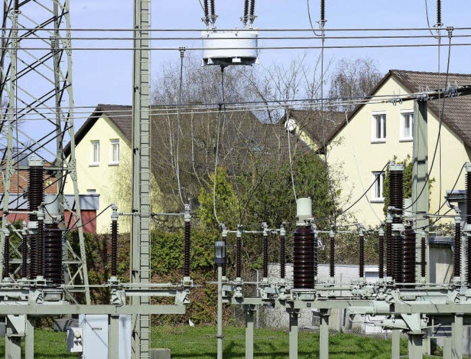 Das Umspannwerk am Rankackerweg, in de...ch in direkter Nähe von Wohnbebauung.     Foto: Ingo Schneider