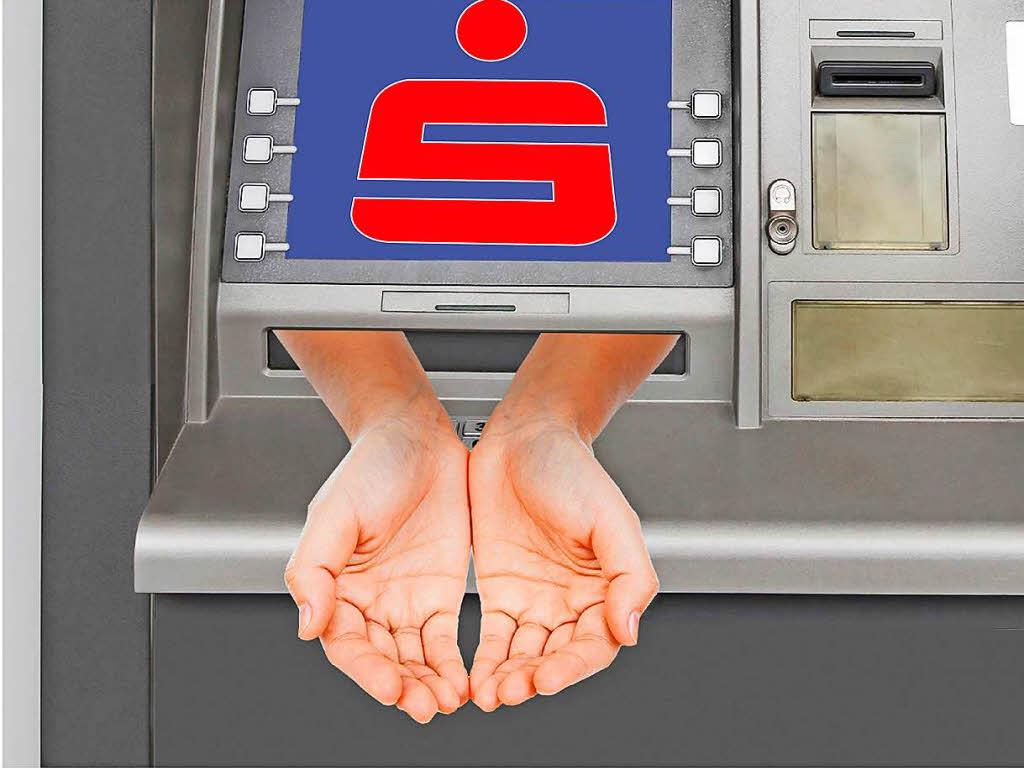 Banken erheben von eigenen Kunden Gebühren fürs Abheben Wirtschaft Badische Zeitung