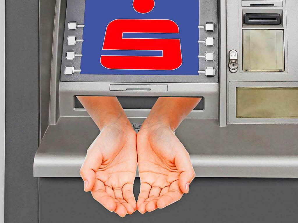 Sparkassen: Kunden müssen fürs Geld abheben bezahlen!