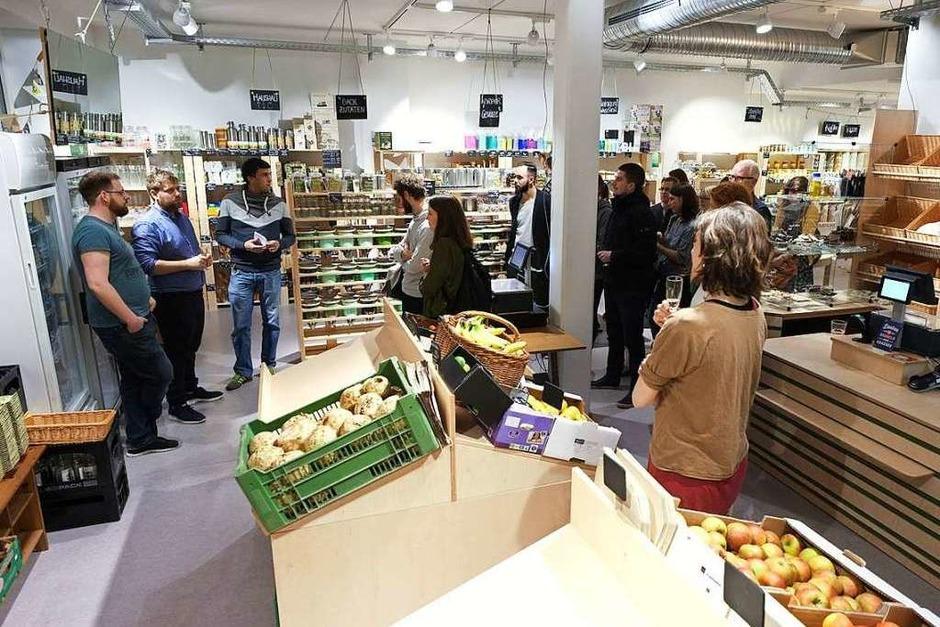 Die Glaskiste im Sedan-Quartier ist Freiburgs erster verpackungsfreier Supermarkt. (Foto: Miroslav Dakov)