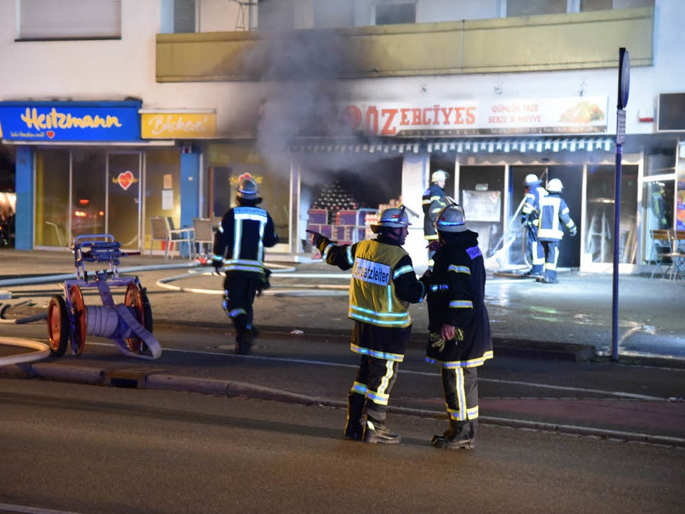 Die Feuerwehr konnte zwar den Vollbran...ern, der Sachschaden ist dennoch hoch.  | Foto: Martin Eckert