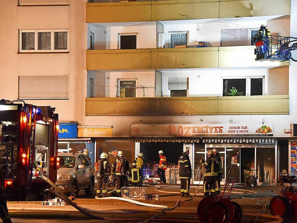 In einem  Lebensmittelgeschäft bei ein...de evakuiert, Verletzte gab es nicht.   | Foto: Martin Eckert