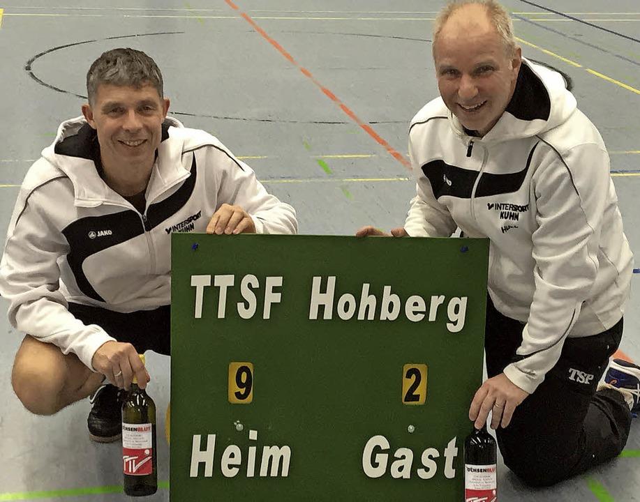 Achim Stoll (links) und Thomas Huck verabschieden sich.   | Foto:  Verein