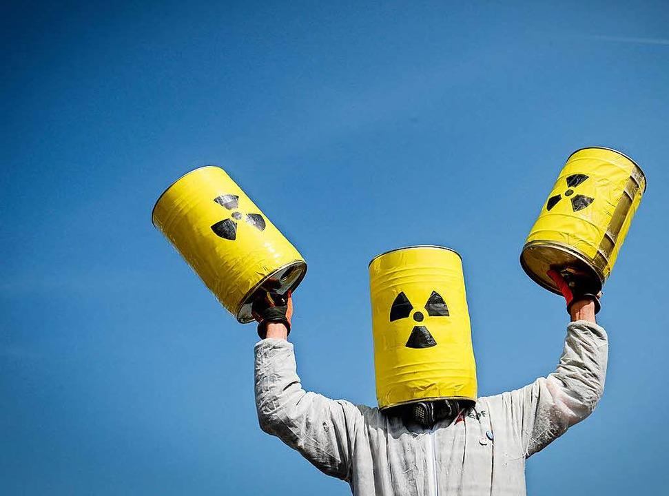 Atomkraftgegner können es nicht fassen... Fessenheim bleibt vorerst in Betrieb.  | Foto: SEBASTIEN BOZON