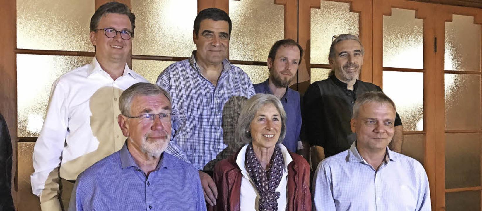 Der Vorstand und der Aufsichtsrat der ...d Oliver Borngräber (vorne von links)   | Foto: Karin Maier/Dirk Sattelberger