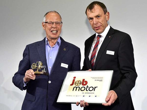 Jobmotor-Sieger: Helmut Laaf (li.) von TPL Path Labs Freiburg und Laudator Bernd Rigl (Sparkasse Freiburg-Nördlicher-Breisgau).