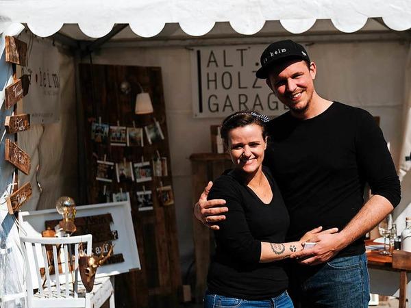 """An der """"Kellerwirtschaft"""" in Oberbergen stellen 25 Hersteller an Ständen ihre regionalen Produkte vor."""