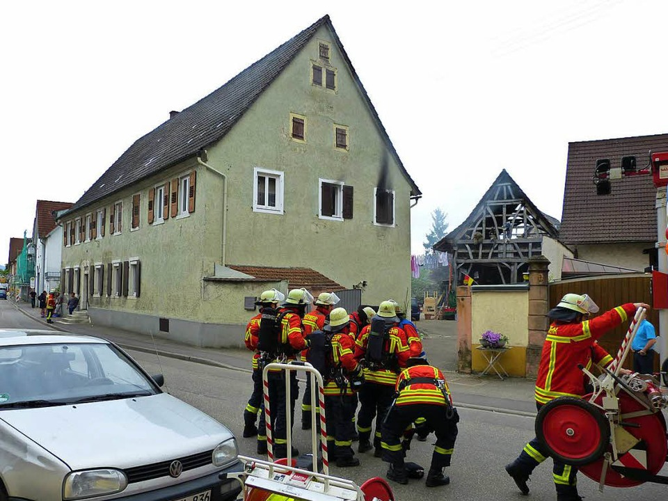 Brand an der Riegeler Straße in Teningen    Foto: Aribert Rüssel