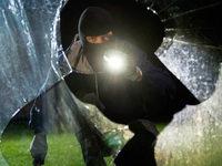 Flüchtender Einbrecher in Ottersweier schießt Zeugen an