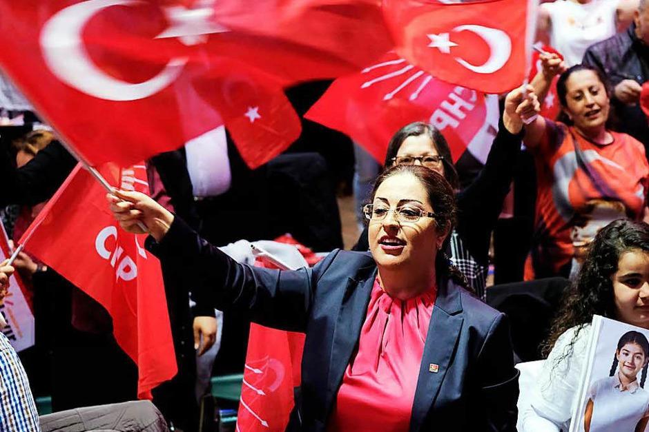 Wahlparty der CHP (Foto: dpa)