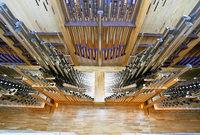 Marcher baut Orgeln für China – Tausende Einzelteile verschifft