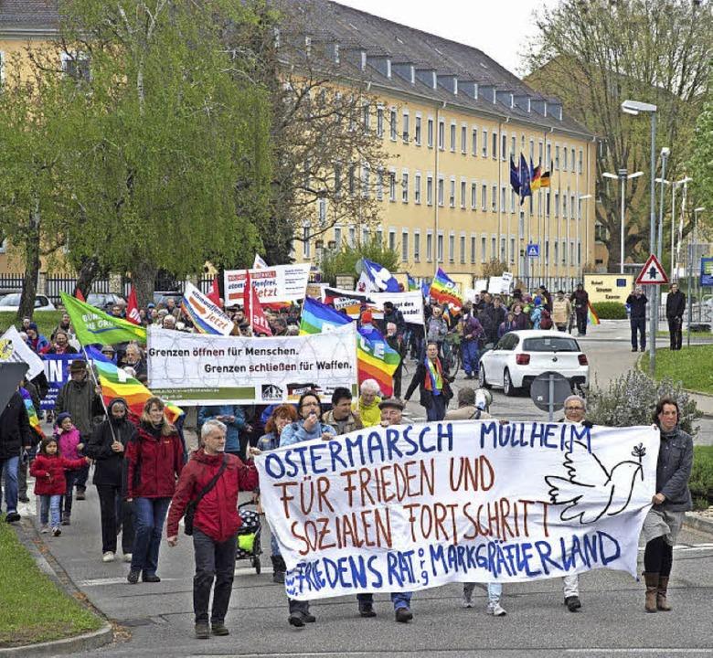 Die Deutsch Französische Brigade war d...t für den Ostermarsch durch Müllheim.   | Foto: Volker Münch