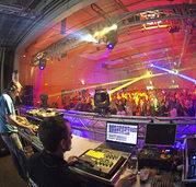 Oster-Kult-Disco lockt Hunderte nach Auggen