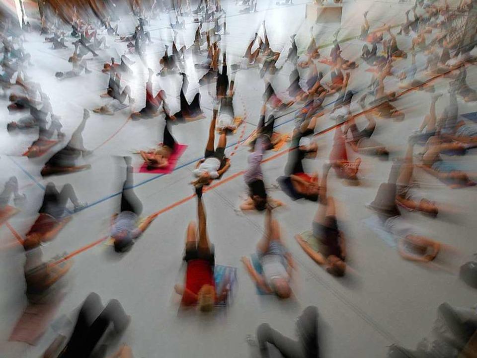 Klassiker im Hochschulsportprogramm: Fitnessgymnastik in der Uni-Sporthalle  | Foto: Ingo Schneider