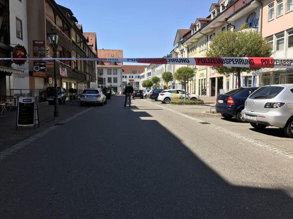 Das Gebiet um den Tatort war weiträumig abgesperrt.  | Foto: sk