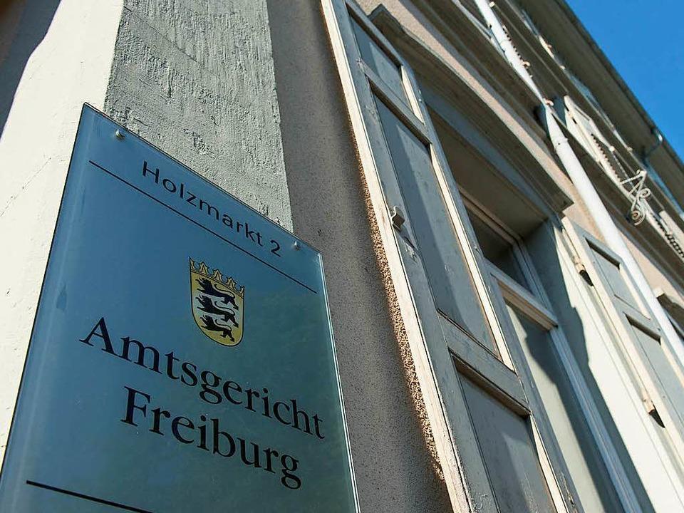 Am Amtsgericht Freiburg arbeiten 42 Richterinnen und Richter.  | Foto: dpa