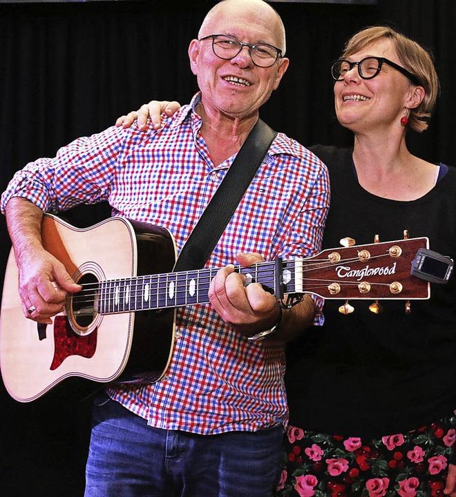Heinz Siebold und Ulrike Derndinger tr...und 14. Mai 2017 in Bad Bellingen, auf  | Foto: Dagmar Barber