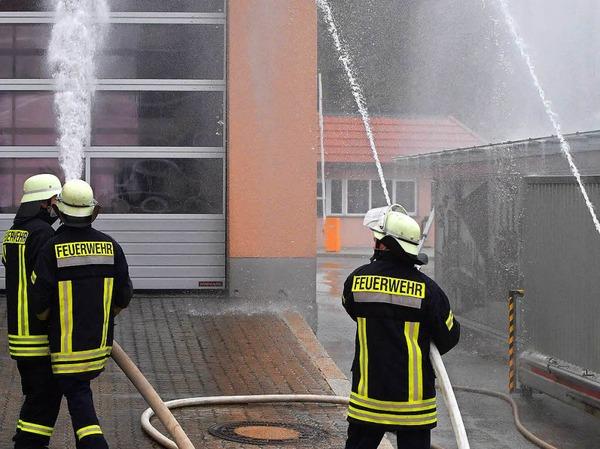 Einsatz zeigten die Kameraden bei der Übung auf dem Gelände der Rothaus Brauerei.