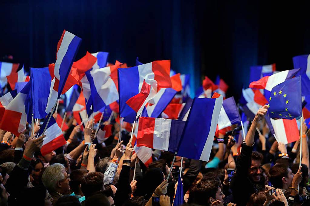 Le Pen geht in die Offensive und lässt Parteivorsitz ruhen