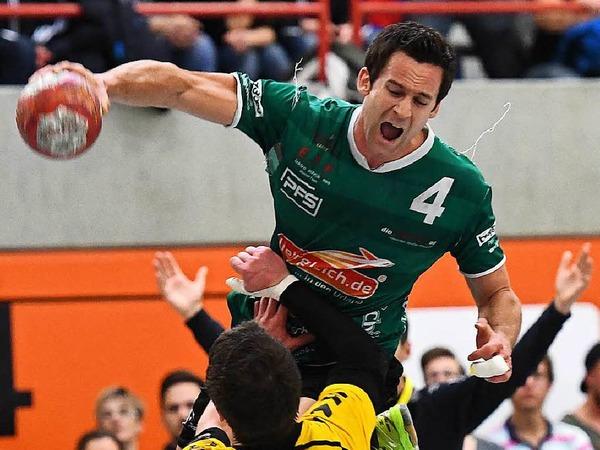 Gut und gerne 600 Zuschauer in der rappelvollen St. Georgener Roßberghalle fieberten beim Spitzenspiel der Handball-Landesliga mit. Am Ende bejubelte St. Georgen die Meisterschaft, Herbolzheim war geschlagen. Zumindest für dieses eine Spiel.