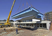 17-Tonnen-Pool hängt am Haken