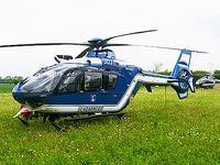 Polizei sucht vermissten Freiburger Gleitschirmflieger
