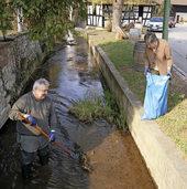 Eimeldinger putzen ihr Dorf