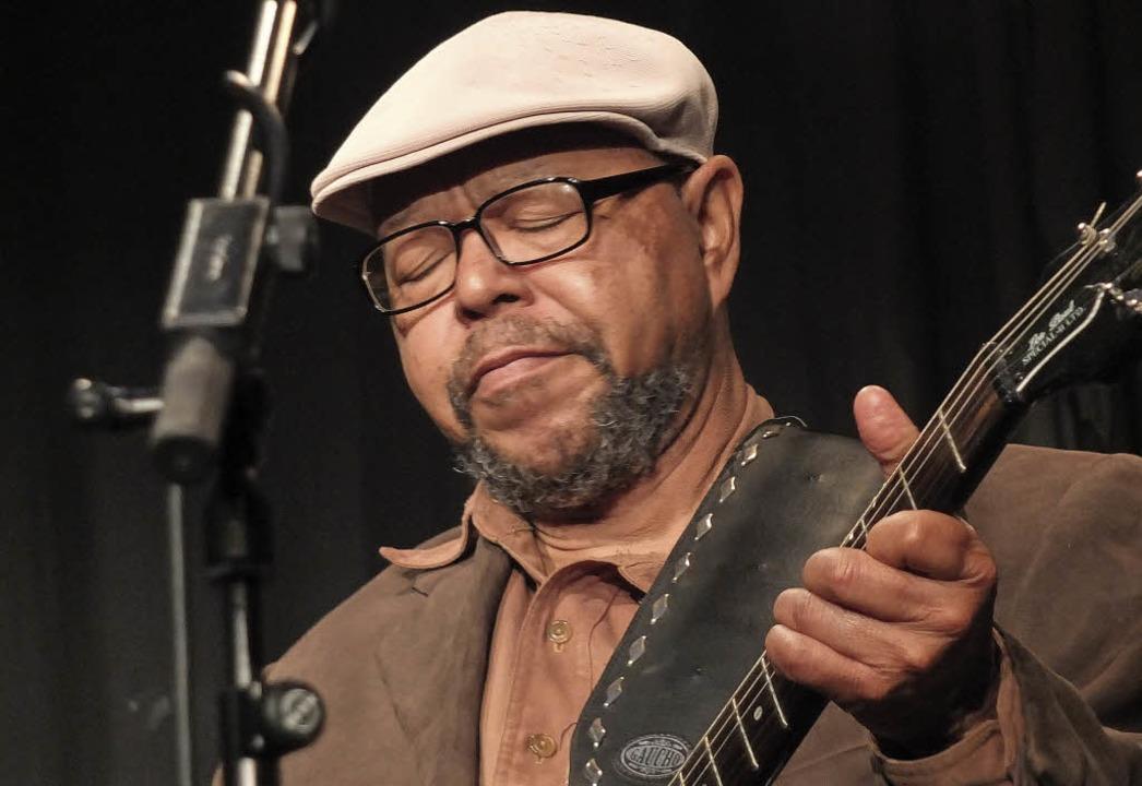 Larry Garner an der Gitarre.   | Foto: Martina David-Wenk