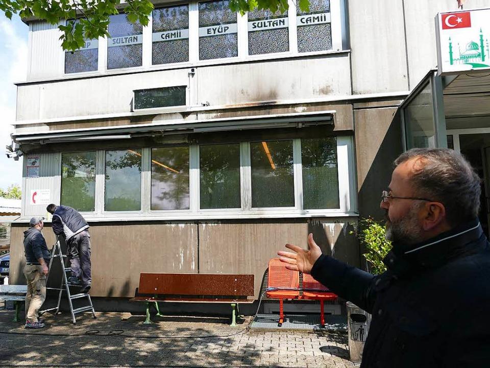 Necati Coskun, der Vorsitzende des tür...hlag auf die Friedlinger Ditib-Moschee  | Foto: Ulrich Senf