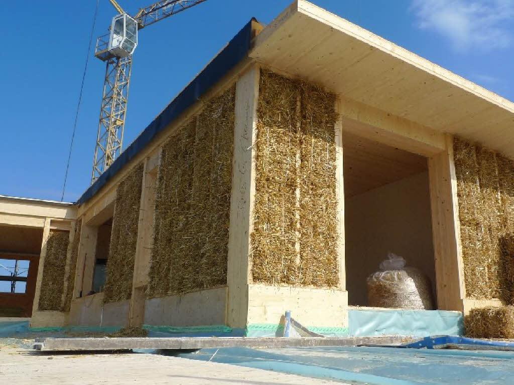wird im dreil ndereck bald mit stroh anstelle von beton gebaut rheinfelden badische zeitung. Black Bedroom Furniture Sets. Home Design Ideas
