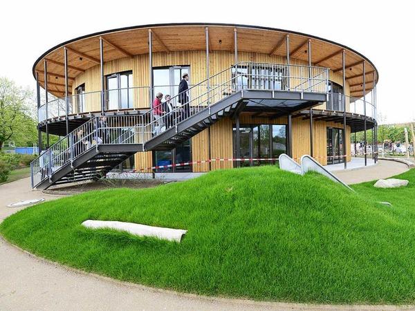 So sieht die neue Kindertagesstätte am Eschholzpark drinnen und draußen aus.
