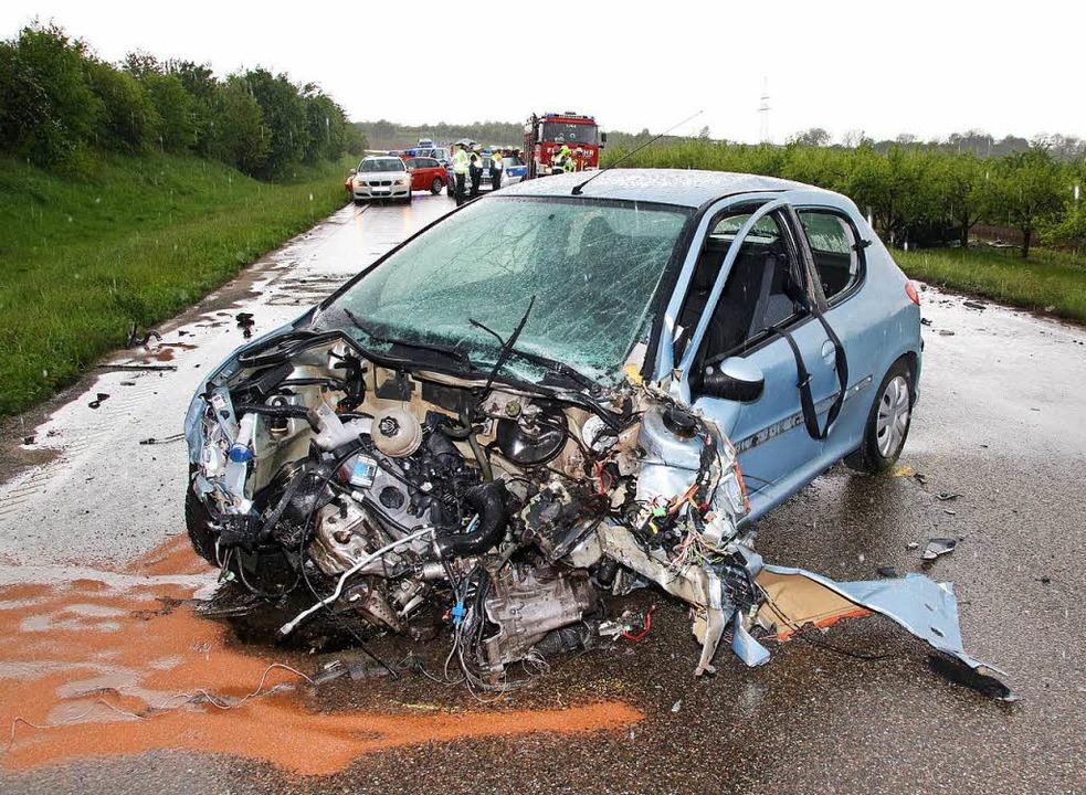 Ein Autofahrer kam am Mittwochnachmittag ums Leben.   | Foto: spe