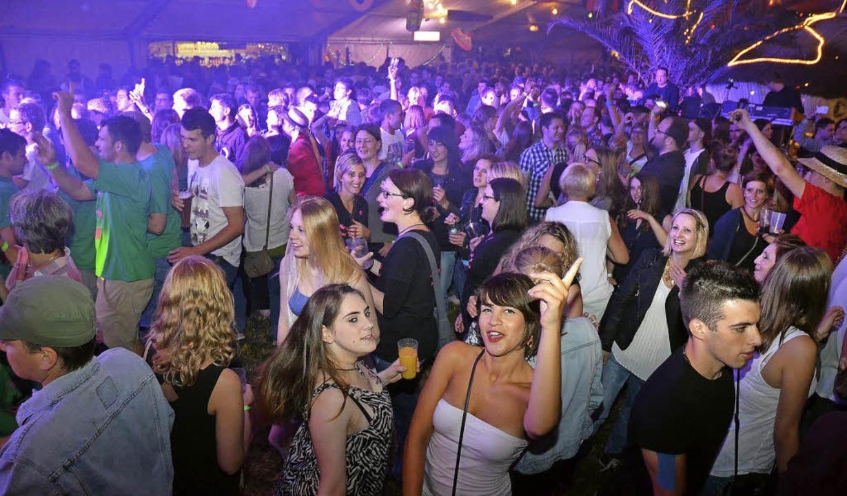 Aus der ganzen Ortenau kommen Partygän...Mega-Zelt am Eichberg, wie hier  2014.  | Foto: Veranstalter