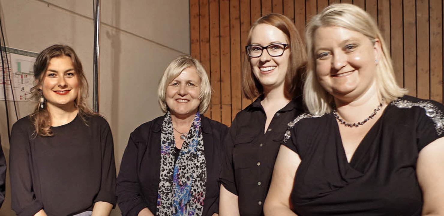 Die Geehrten des Akkordeon-Clubs (von ...ch, Ramona Muser und Sonja Schneider.   | Foto: Katharina Bächle