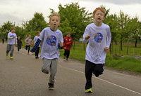 Schüler laufen für die Schule