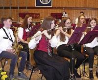 Drei Orchester zaubern den Frühling in die Halle