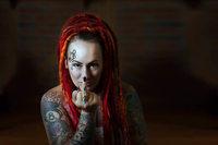 """Krebsaktivistin klärt mit ihrer Initiative """"Fuck Cancer"""" auf"""