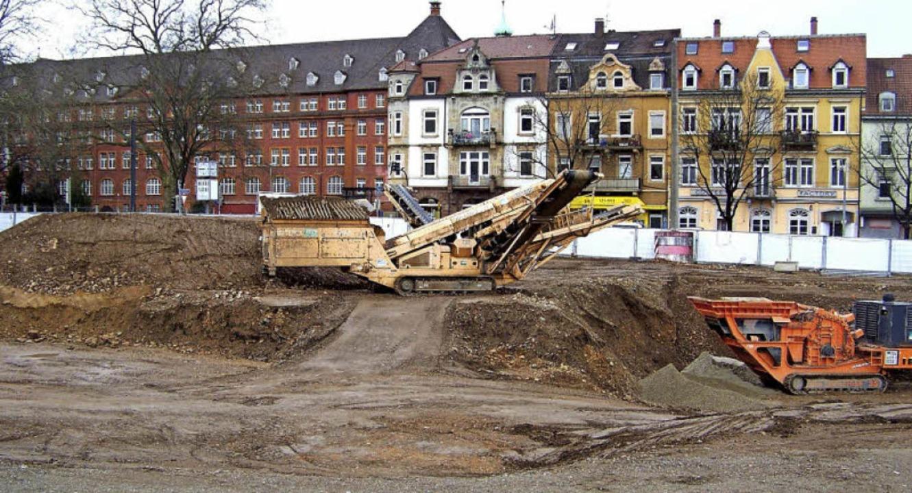 Eins der größten Bauprojekte in Herder...20; ein Geschäfts-und Wohnbaukomplex.   | Foto: Hans Sigmund