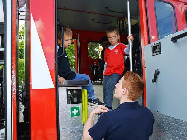 Die Eimeldinger Feuerwehr legte sich am Samstag voll ins Zeug und gab alles für die Nachwuchswerbung