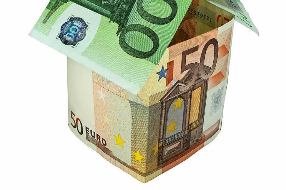 Immobilienkredite: Die Finanzaufsichtsbehörde Bafin soll mit neuen Befugnissen Immobilienblasen verhindern. So soll die Bafin Mindeststandards für die Vergabe von Neukrediten festlegen. Zudem gibt es bei Darlehen künftig eine Obergrenze, die sich am Immobilienwert orientiert. (Foto: Fotolia.com/babimu)